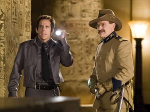 ben-stiller-e-robin-williams-in-una-scena-del-film-una-notte-al-museo-352521